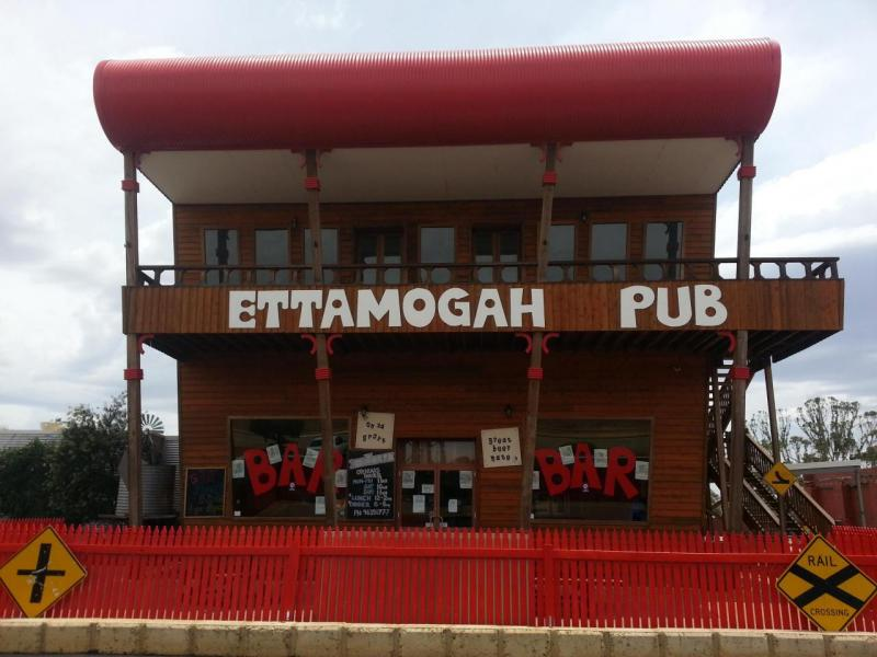 ettamogah pub speed dating A speed-dating event in new york city called hung night hosted by onspeeddatingcom caters to women who crave well-endowed suitors.
