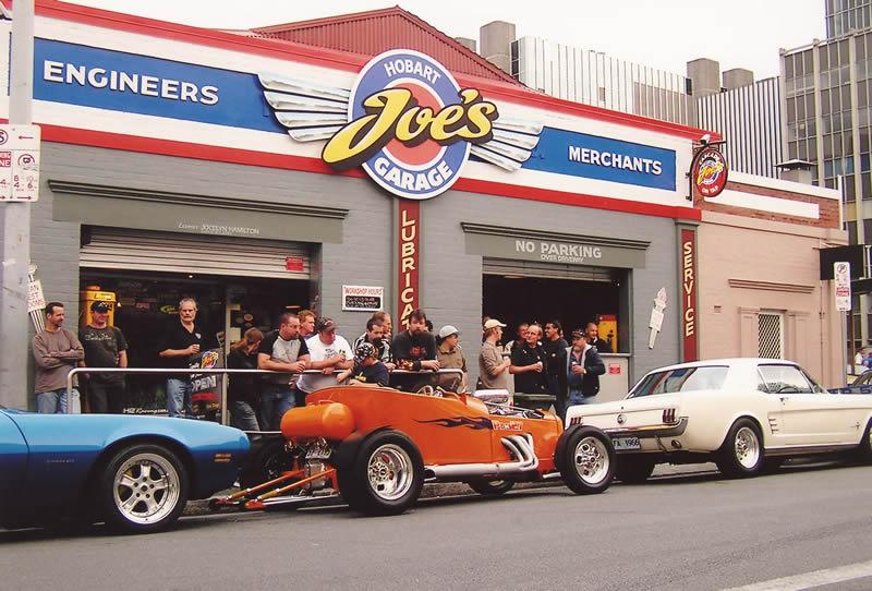 Joes Garage Amsterdam : List of synonyms and antonyms of the word: joes garage