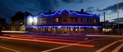 The Albion Hotel (Wickham) - image 1