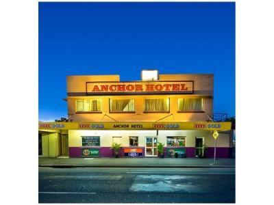 Anchor Hotel - image 1