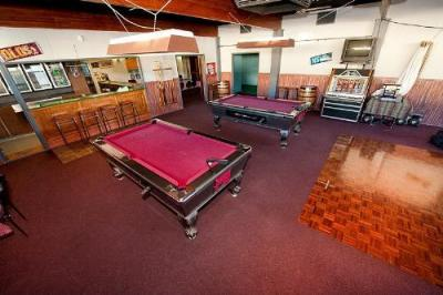 Anchor Hotel - image 2
