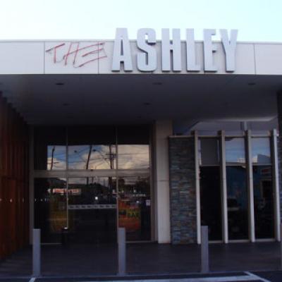 Ashley Hotel - image 2