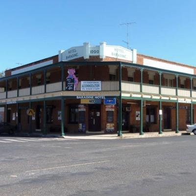 Baradine Hotel - image 2