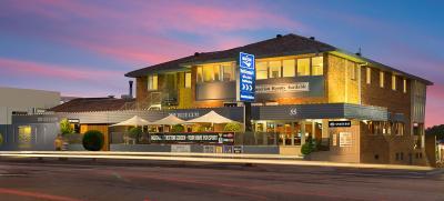 Blue Gum Hotel - image 1