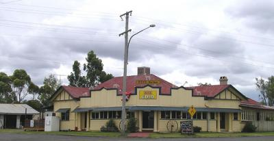 Bowenville Hotel