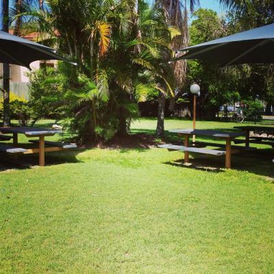 Bribie Island Hotel - image 3