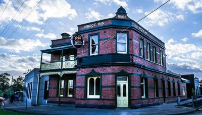 Bridge Inn Hotel Mernda - image 1