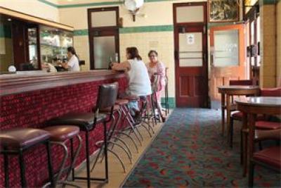 Captains Flat Hotel - image 2