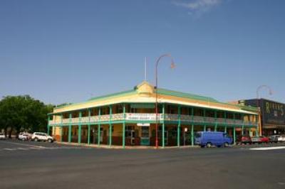 Castlereagh Hotel