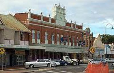Club House Hotel - image 2