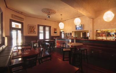 Cumberland Arms Hotel - image 2