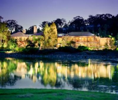 Cypress Bar and Bistro Cypress Lakes Resort