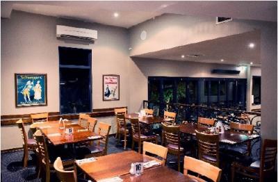 Elgin Inn Hotel - image 7