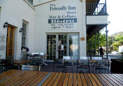 Friendly Inn Hotel - image 1