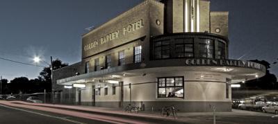 Golden Barley Hotel - image 1