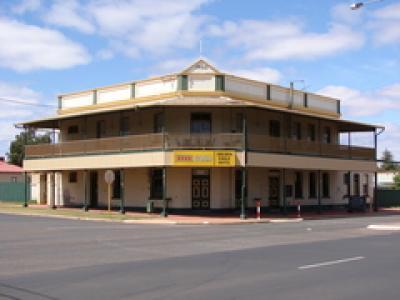 Gold Eagle Hotel
