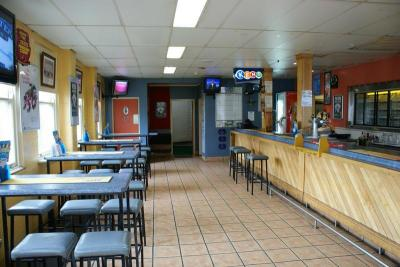 Gowrie Road Hotel - image 3