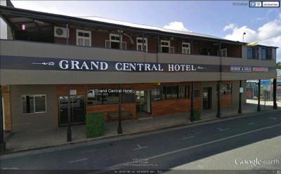 Grand Central Hotel - image 1