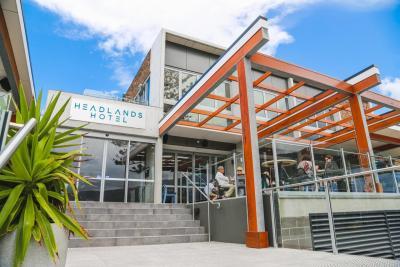 Headlands Hotel - image 1