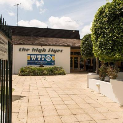 High Flyer Hotel - image 2
