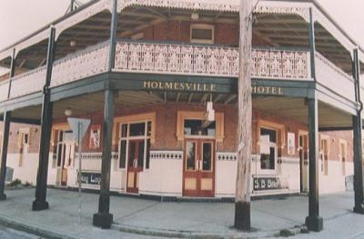 Holmesville Hotel