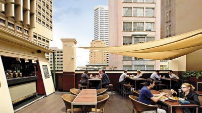 Hotel Sweeney's - image 2