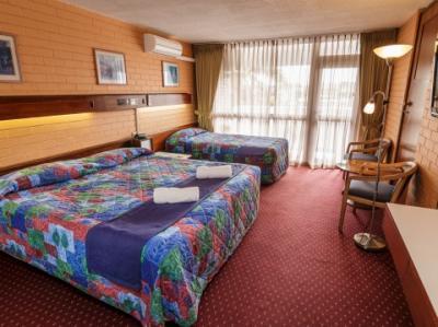 Indian Ocean Hotel - image 2