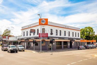 Iron Horse Inn Hotel - image 2