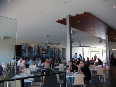 Kirra Beach Hotel - image 2