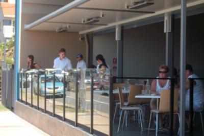 Kirra Beach Hotel - image 3