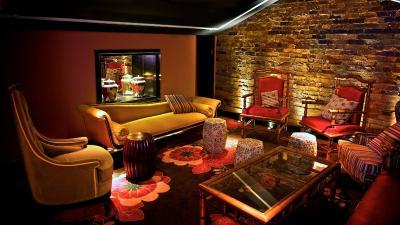 Laruche Bar - image 1