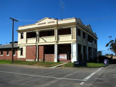 Lascelles Minapre Hotel