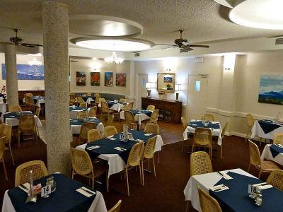 Lee's Hotel - image 3