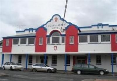 Logan & Albert Hotel