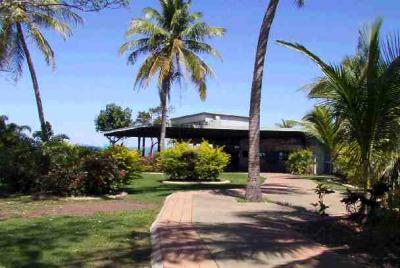 Mandorah Beach Hotel