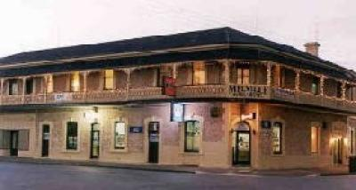 Melville Hotel