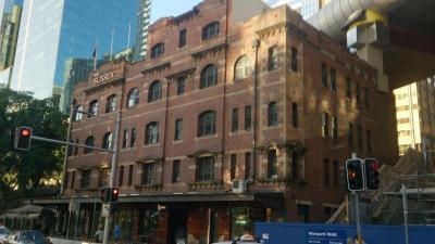 Moreton's Hotel - image 1