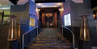 New Hampton Hotel - image 1