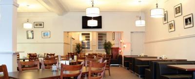 New Tattersalls Hotel - image 2