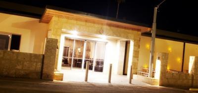 Newman Hotel Motel - image 4