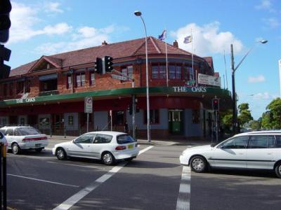 Oaks Hotel