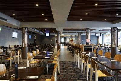 Olympic Hotel Preston - image 2