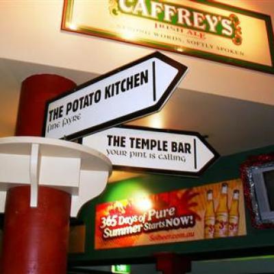O'malleys Irish Pub - image 2