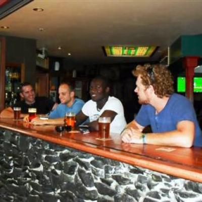 O'malleys Irish Pub - image 3