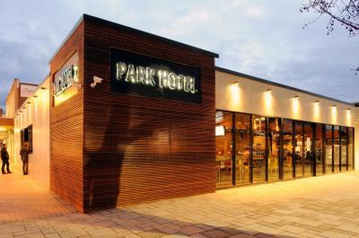 Park Hotel - image 1