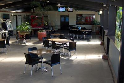 Under Cover Beer Garden, Meals, Accomodation