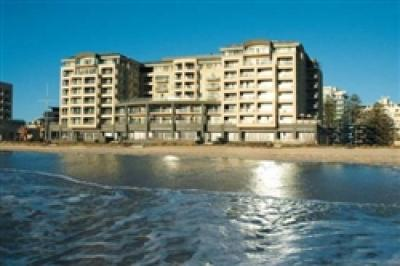 Oaks Plaza Pier Hotel and Suites