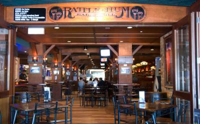 Rattle n Hum Bar & Grill - image 2