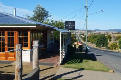 Roadvale Hotel Front