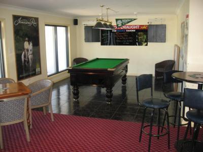 Rocks Tavern - image 4